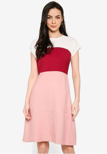 ZALORA red and multi Colourblock Ruching Detail Dress A1137AAA83697EGS_1