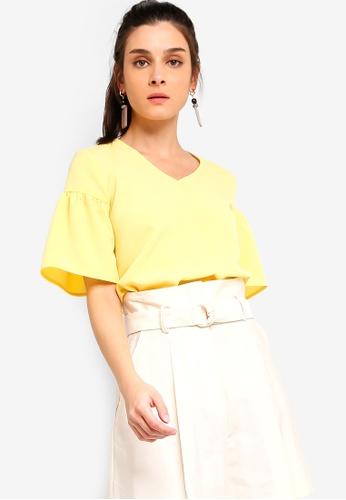 ZALORA 黃色 Flare Sleeves Blouse AFEB5AA477AA6FGS_1