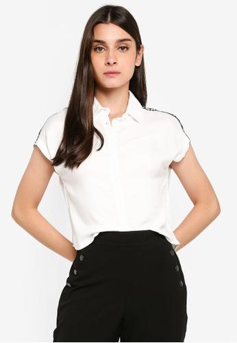 LC Waikiki 米褐色 Short-袖 鈕釦-Down 襯衫 With Letterpress On Shoulders FB1DCAA6BA8D81GS_1