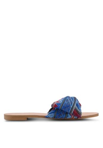 ZALORA 藍色 蝴蝶結編織涼鞋 FEC67SHFC612DFGS_1