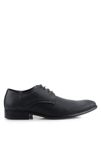 UniqTee black Round Toe Textured Derby Dress Shoes A5FECSHC81E51DGS_1