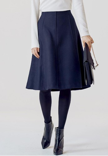 喇叭中裙, 服飾京站 esprit, 及膝裙