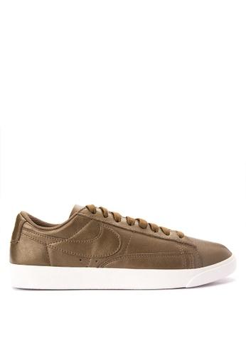 Nike gold Women's Nike Blazer Low LE Shoes NI126SH0SFBNMY_1