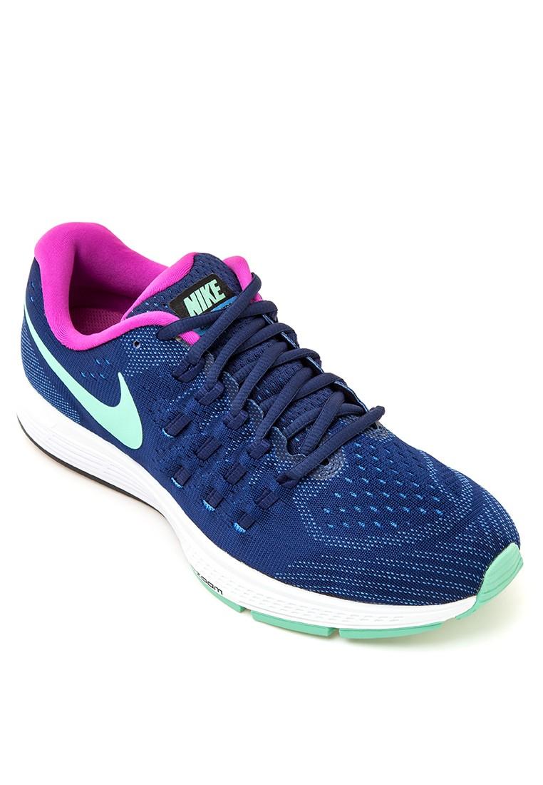 Womens Nike Air Zoom Vomero 11 Running Shoes