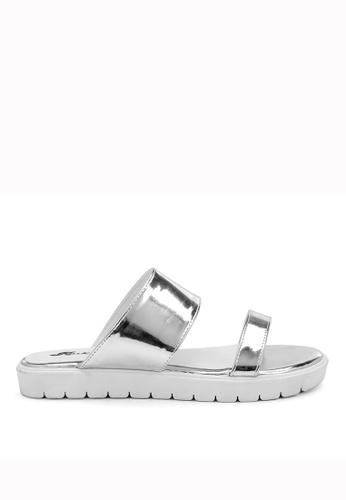 KissXXX 銀色 夏季舒適感休閒純色一字平底日常拖鞋 KI603SH09KDETW_1