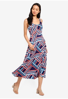 fabec953f6d 30% OFF ZALORA U-Neck Flare Dress RM 105.00 NOW RM 73.90 Sizes XS S M L XL.  ZALORA multi Basic Short Sleeves Fit ...
