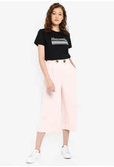 ce087c376c4ea Abercrombie & Fitch Short Sleeve Logo Tee HK$ 280.00. Sizes XS S M L