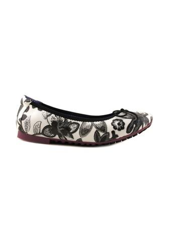 Flatss & Heelss by Rad Russel black Floral Prints Flats FL655SH92SZBSG_1