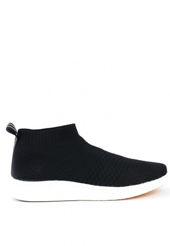 World Balance black Odyssey MS Slip On Sneakers WO444SH0KHYCPH_1