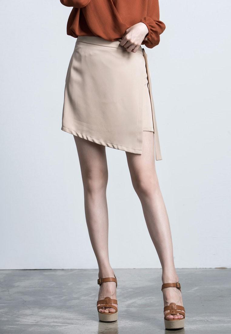 Asymmetrical D-Ring Skirt