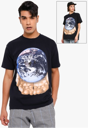 OBEY black Our Planet Is In Your Hands Tee 53A2CAAA3A88FBGS_1
