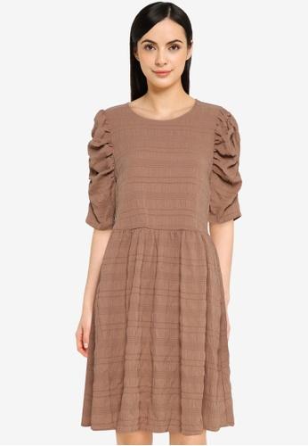 Noisy May brown Victoria Short Sleeve O-Neck Dress 65E87AABA4F3D1GS_1