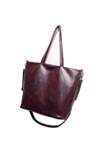 Seoul in Love brown Han-Hye Sling bag in brown SE496AC16FFVSG_1