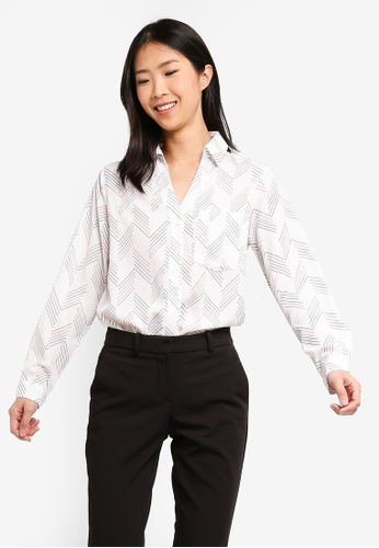 ZALORA BASICS white Basic V-Neck Oversized Shirt 2D549AA5AFCF51GS_1