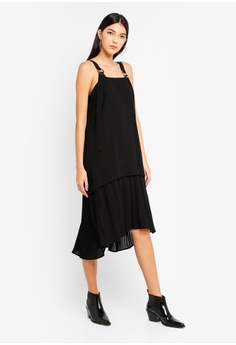9f8c9ac650 10% OFF Kitschen Circle Adjustable Buckle Pleated Dress RM 89.90 NOW RM  80.91 Sizes S M L XL