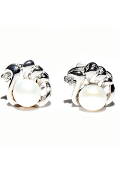 Simple Freshwater Pearl Earrings