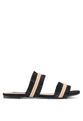 ZALORA 黑色 Raffia Fringed Sandals 3B37DSH78C8BCCGS_1