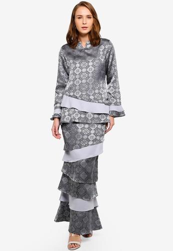 Modern Sempit Kurung from Gene Martino in Grey