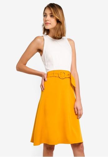 ZALORA 白色 and 黃色 修身喇叭裙腰帶洋裝 CD2F2AA0259FC9GS_1