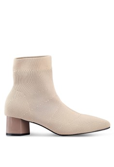 Twenty Eight Shoes beige Pointy Socking Ankle Boots 76505SHEDDA206GS 1 16411ad65a