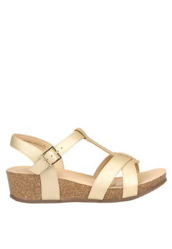 Harga Hush Puppies Sandal Wedges Wanita Rita T-Bar - Gold - PriceNia.com 8c2f788a76