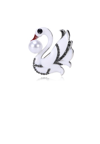 Glamorousky white Simple and Elegant White Swan Imitation Pearl Brooch with Black Cubic Zirconia 0259CACA4A1E77GS_1
