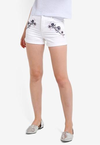 Miss Selfridge white White Embroidered Mom Shorts MI665AA70DEZMY_1