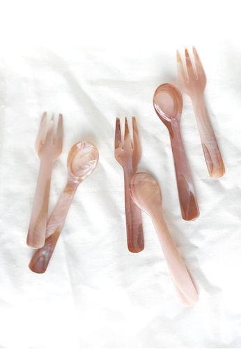 Your Lagom pink Mother of Pearl Cutlery Set 6E116HL54B80B1GS_1