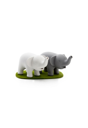 Qualy Qualy Duo Elephant Salt and Pepper Shaker Set DDCDEHLE6E50F3GS_1