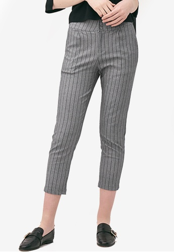Kodz grey Textured Tapered Trousers 9B8ABAACB12889GS_1