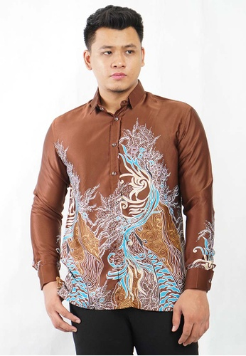 UA BOUTIQUE brown Long Sleeve Shirt Batik UABM13-081 (Brown) 36D66AA25A048CGS_1