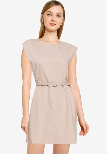 URBAN REVIVO brown Casual Dress CBDD0AA6E2DFD2GS_1