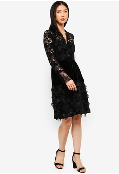 530bd24eefc 30% OFF French Connection Cynthia Velvet Lace Mix Dress RM 699.00 NOW RM  489.30 Sizes 6 8 10
