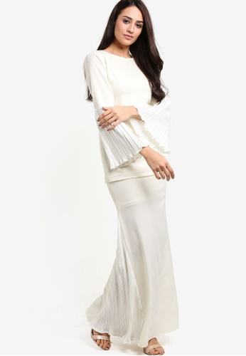 Titthonia Pleated Pastel Kurung Moden from RekaReka in White and Beige