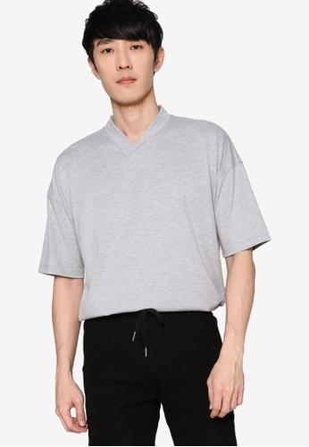 ZALORA BASICS 灰色 V Neck Oversized T-Shirt 7EFF8AA8CA0002GS_1