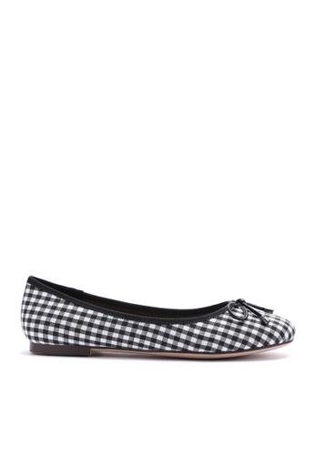 Twenty Eight Shoes black Checker Cloth Flat Shoes 889-8 BE91CSHB95BE5FGS_1