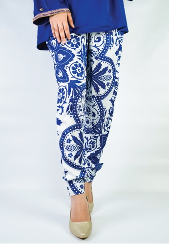 Zaryluq white and blue Oasis Printed Cuffed Pants 38984AAE976389GS_1