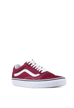 a7147882c92 VANS Old Skool Sneakers S  89.00. Available in several sizes