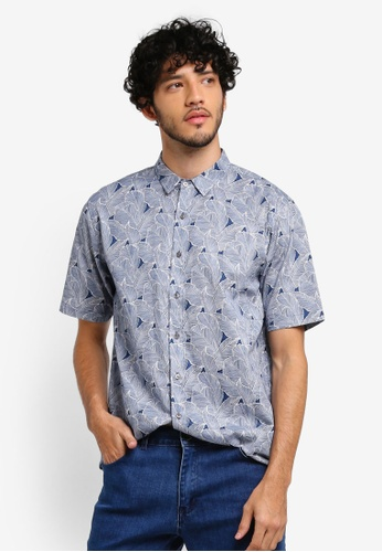 ZALORA navy All Over Leaves Print Relaxed Fit Short Sleeve Shirt 86F3CAA1CB1D64GS_1