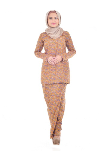 Assie Modesty brown and orange and yellow and multi and gold Chrysan Lipat Batik Kurung FE53AAA52C7FA9GS_1