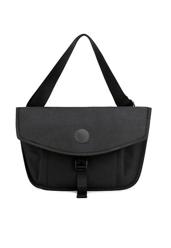 Twenty Eight Shoes black VANSA Smart Chest Bag VBM-Mb0221 A4082AC076D92FGS_1
