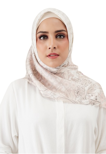 Buttonscarves beige Buttonscarves Maharani Satin Square Safed 77E4DAA6718007GS_1