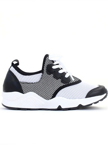 Crystal Korea Fashion grey and white Korean With Comfortable Breathable Casual Shoes B5949SH817A07FGS_1