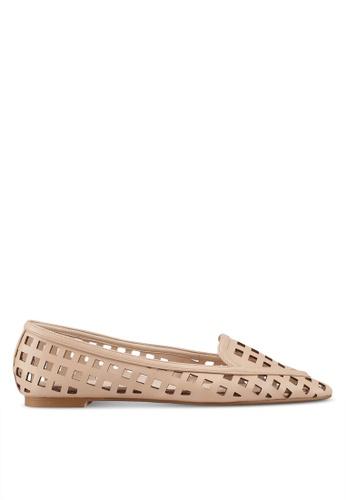 ZALORA 米褐色 編織鏤空平底鞋 80F78SHB2995D9GS_1