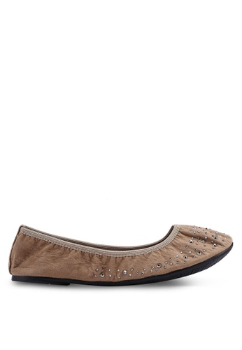 Carlton London 褐色 鑽飾平底鞋 B25CCSH3415FF8GS_1