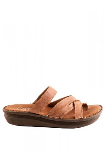Otto beige Crisscross Slide Sandals OT407SH0J1QMPH_1