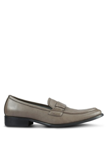 ZALORA grey and brown Contemporary Faux Leather Dress Loafers A6A74AAE919BF9GS_1