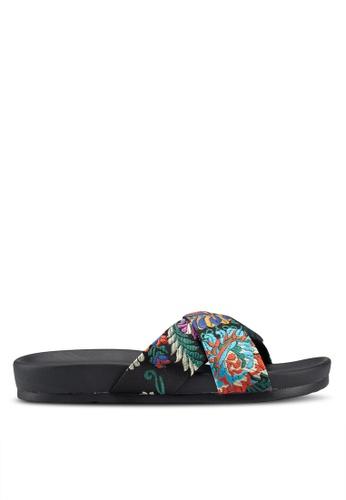 Public Desire black Emery Sandals 66A1FSHC17FF8DGS_1