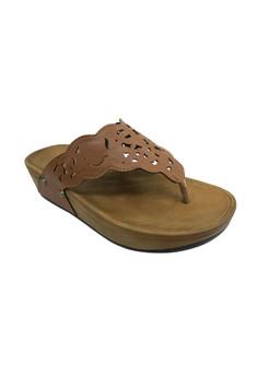 Camino Flat Sandals