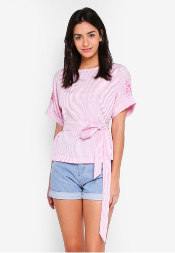 ZALORA pink Embroidered Sleeves Top D6A88AADCAFF2EGS_1